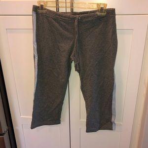 Grey comfy Aeropostale cropped pants